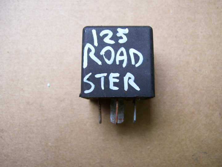 centrale clignotant d 39 occasion roadster 125 centrale clignotant cagiva 125. Black Bedroom Furniture Sets. Home Design Ideas
